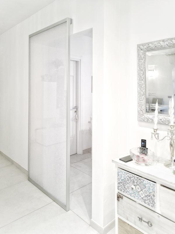 דלת לאמבטיה