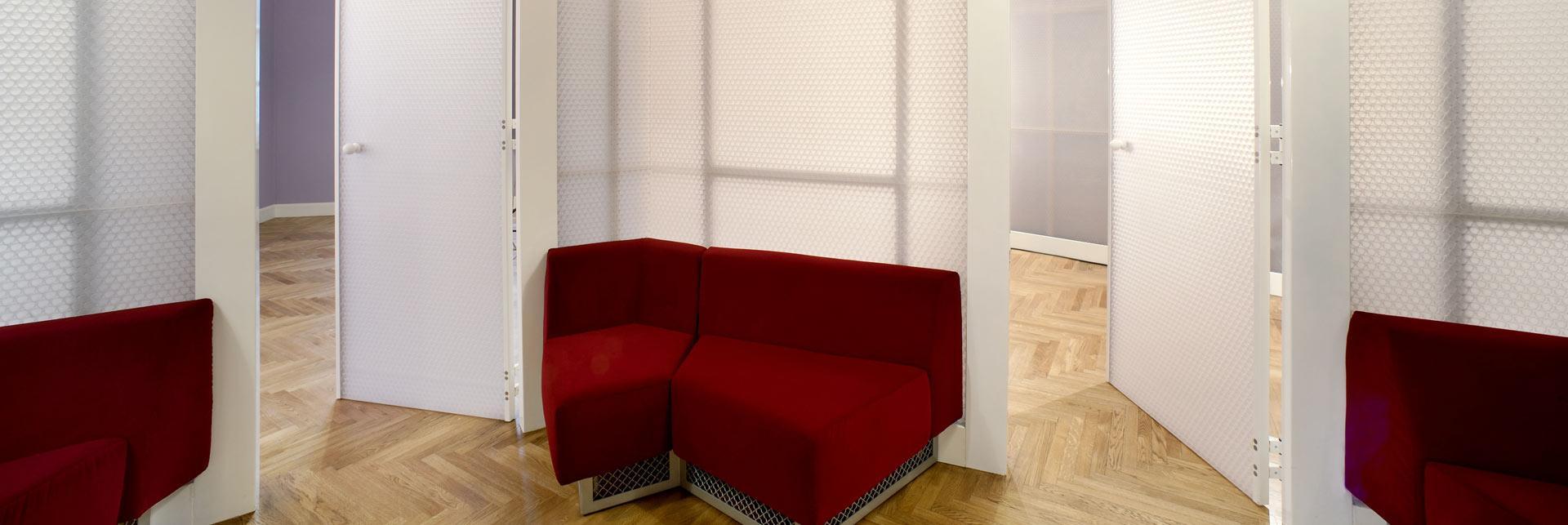 פריויקט עיצוב חלל משרדי עם מחיצות דקורטיביות