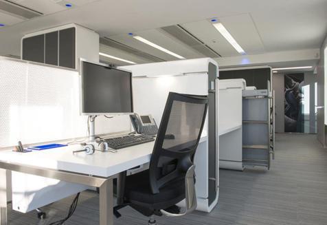 מחיצות מגן לשולחנות משרדיםמחיצות מגן לשולחנות משרדים