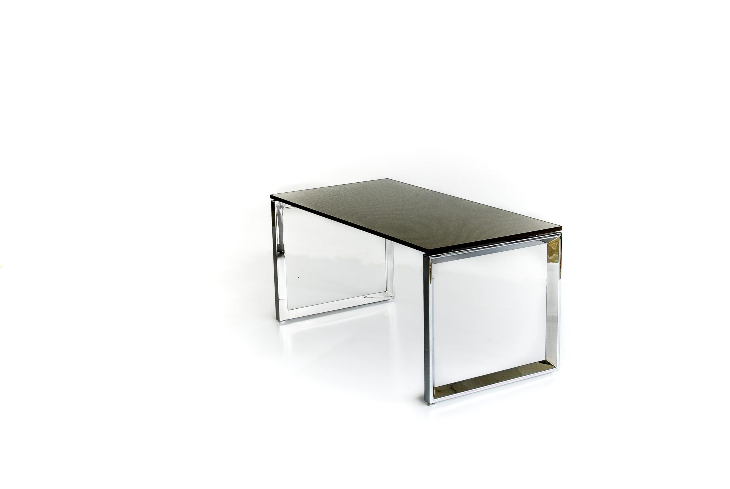 מחיצה מעוצבת לשולחן משרד