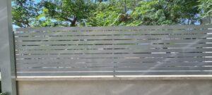 גדר אלומיניום צרה להרכבה עצמית