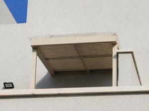 פרגולה במרפסת גבוהה