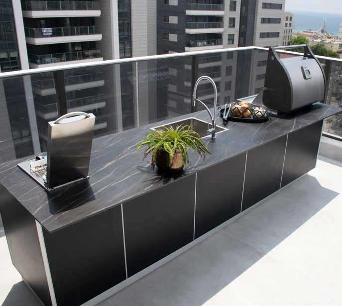 מטבח-חוץ-במרפסת-דירת-גג