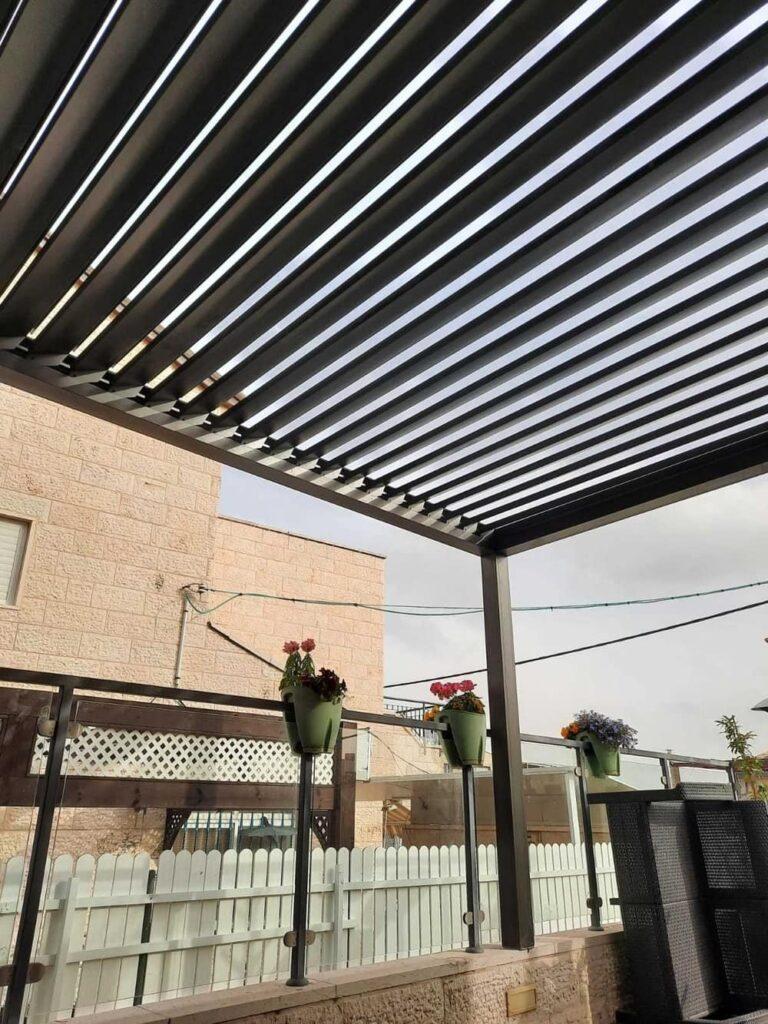 פרגולה חשמלית למרפסת